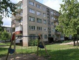 2 kambarių butas Akmenės r. sav., Naujoji Akmenė, Respublikos g.