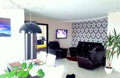 Parduodamas 3 kambarių butas Klaipėdoje, Debrecene, Debreceno g.