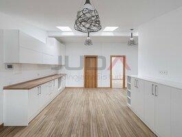 3 kambarių butas Kaune, Senamiestyje, Nemuno g.