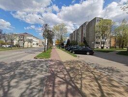 3 kambarių butas Akmenės rajono sav., Naujoji Akmenė, Respublikos g.