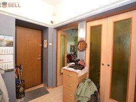 2 room apartment Kaune, Žaliakalnyje, Savanorių pr.