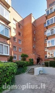 Parduodamas 4 kambarių butas Klaipėdoje, Baltijos, Nidos g.