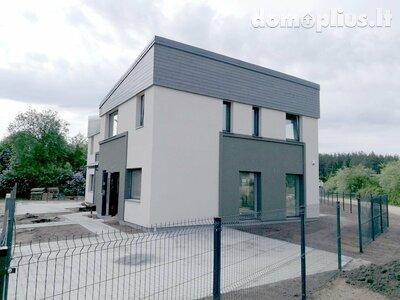 Parduodamas sublokuotas namas Vilniuje, Antakalnyje, Karačiūnų g.