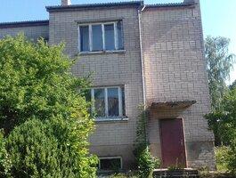 Gyvenamasis namas Skuodo r. sav., Barstyčiuose, Žemaičių Kalvarijos g.